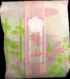 【梅桃山】 梅の餡を中にはさんだ、桃山の兄弟です。